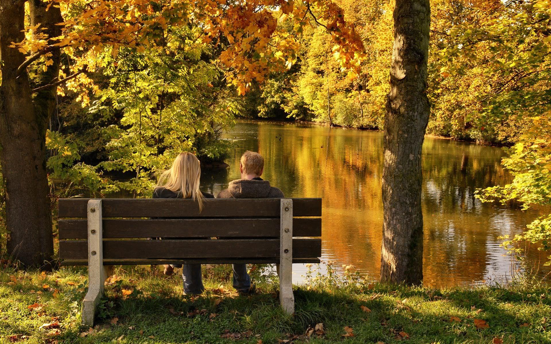 Осень парень девушка картинки