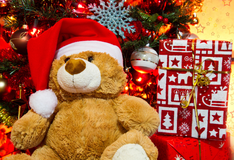 Картинка плюшевый мишка в новогодней